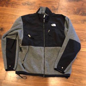 Classic North Face Denali fleece jacket!